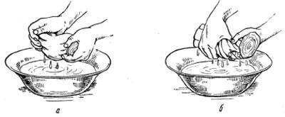 Отжимание гипсовых бинтов