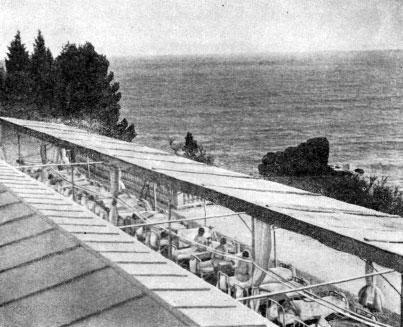 Морская терраса в санатории им. Боброва в Алупке