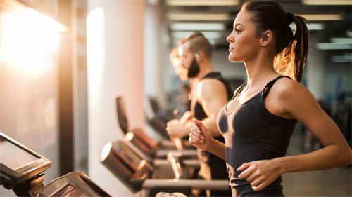 Фитнес: как занятия воздействуют на показатели здоровья?