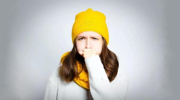 Чем лечить горло – таблетками или спреями?
