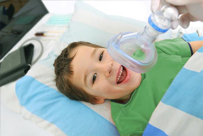 Анестезия или седативное лечение для стоматологической работы с ребенком?